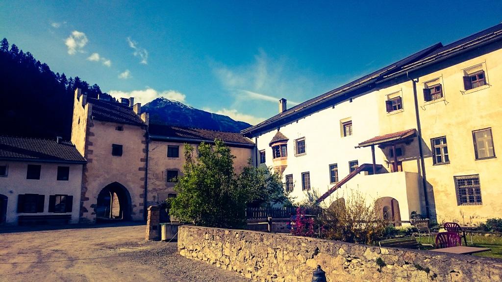 Yoga und Meditation im Kloster Müstair