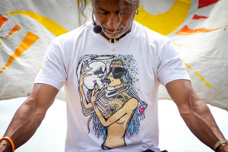 Michael J. Stewart beim Summer of Love Yoga Festival