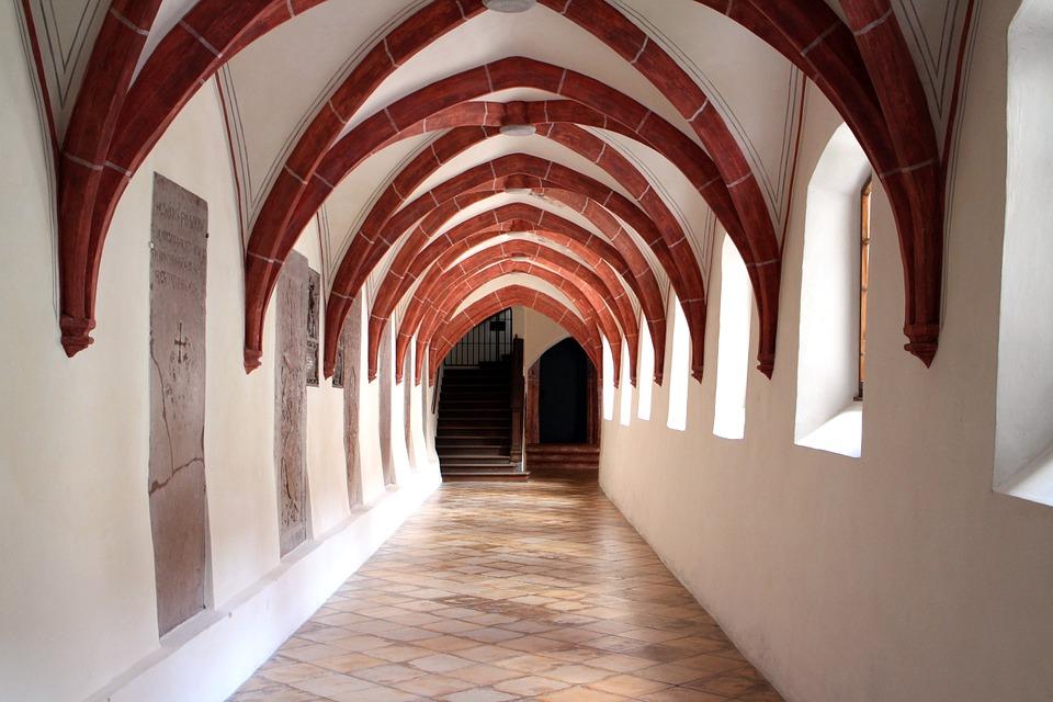 Kreuzgang in einem Kloster