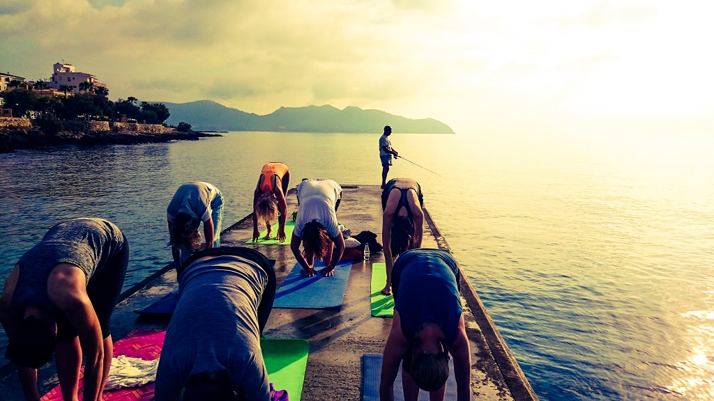 Yoga direkt am Meer