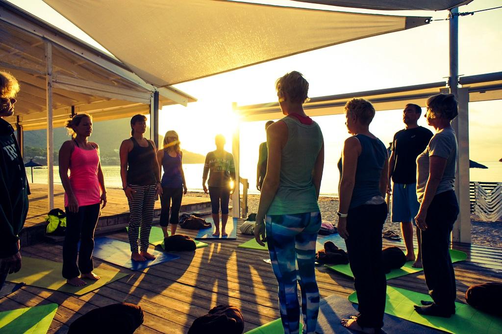Yoga Woche mit Sonnenaufgang