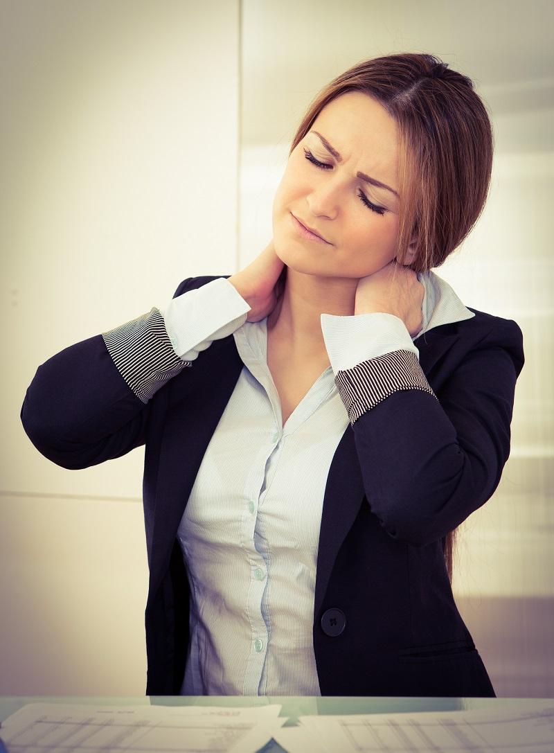 Bei Nackenschmerzen hilft Yoga