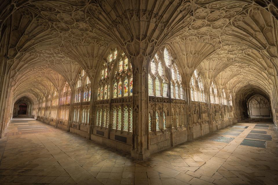 Kloster auf Zeit: Gänge in einer Abtei