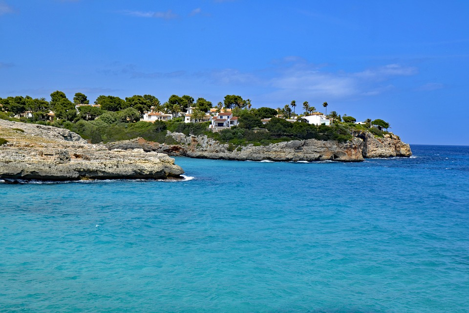 Ein Entspannung Geschenk der besonderen Art: Yogaferien auf Mallorca