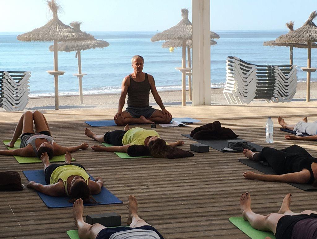 Yoga am Meer mit Stefan