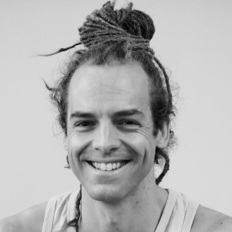 Yogalehrer Adrian Wirth Yogafestival