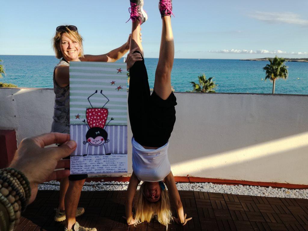 Yoga üben bei den Yogaferien am Meer