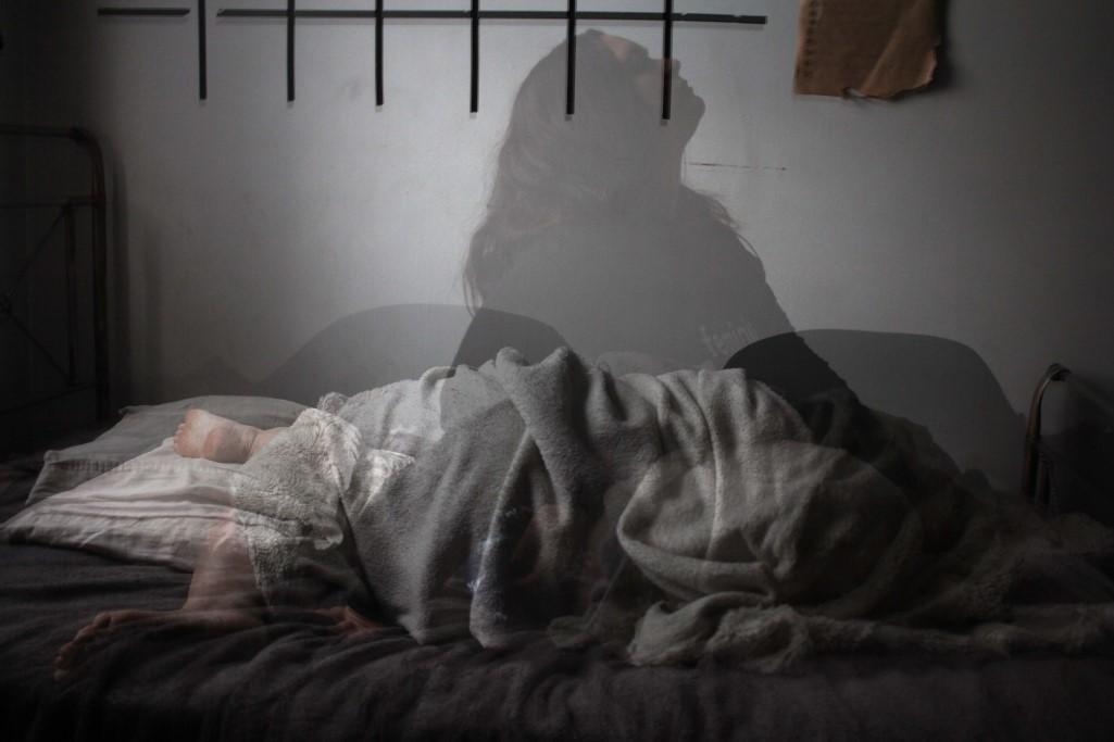 Schlaflosigkeit betrifft viele Menschen und kann gravierende Folgen auf Körper und Psyche haben