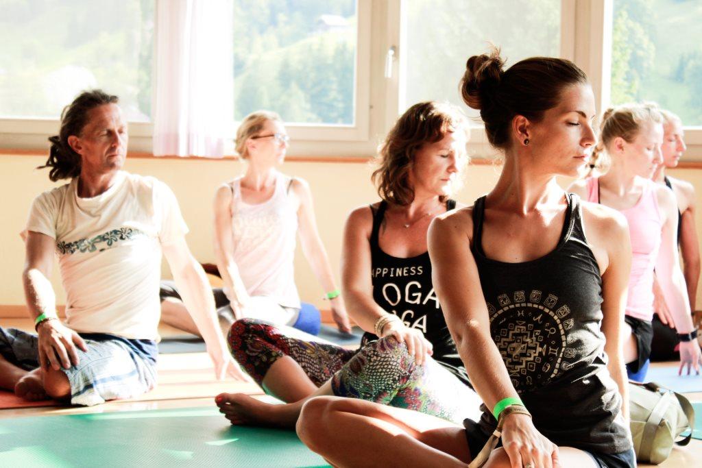 Yogaferien in der Schweiz: Asana, Pranayama, Meditation