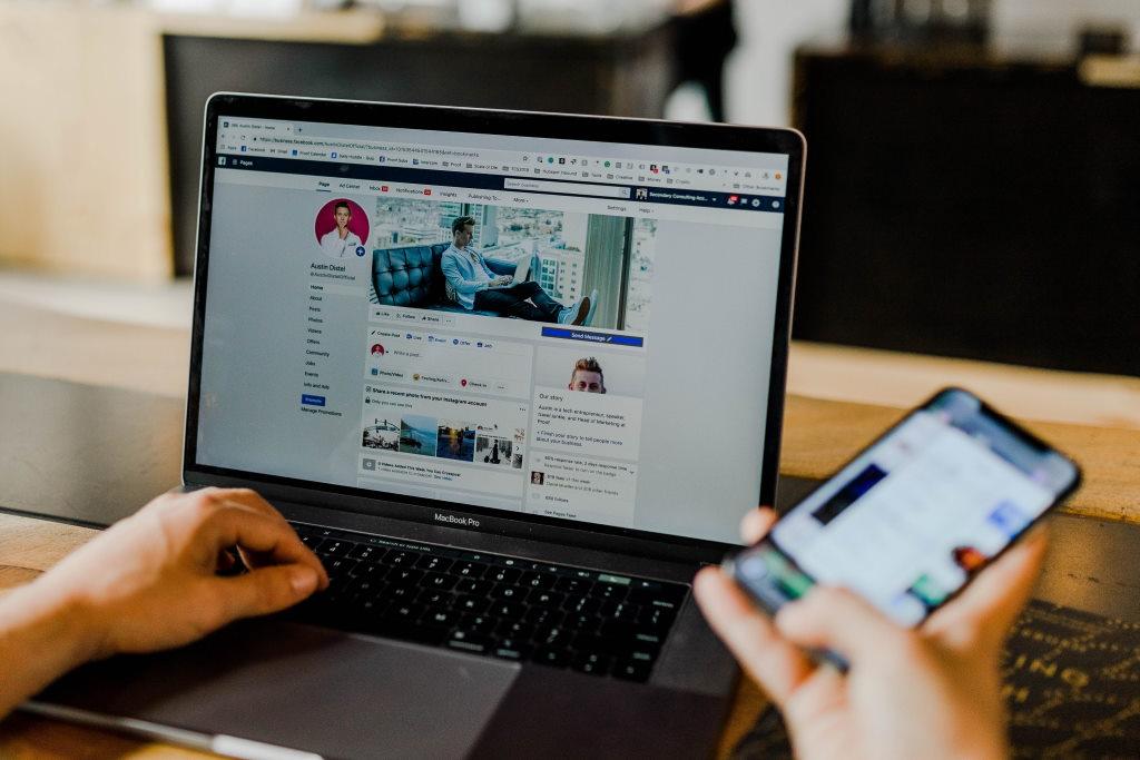 Online Kurse mit aktiver Community über Facebook
