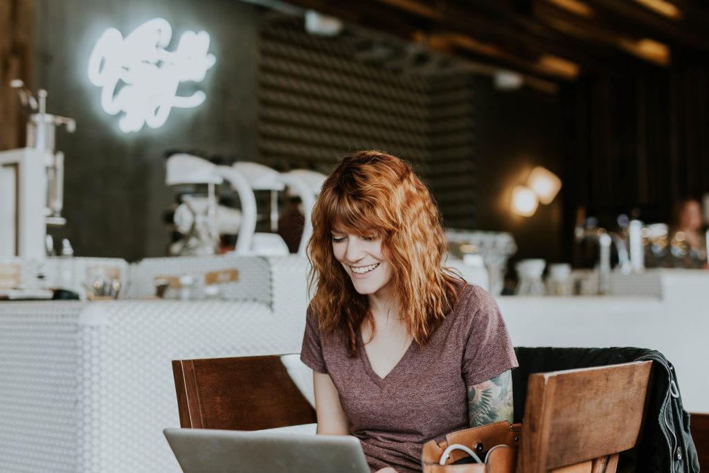 Inhalte bei einem Online Seminar individuell abrufen.