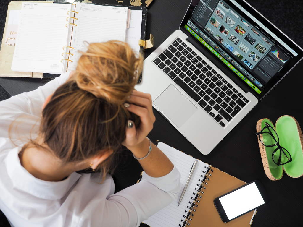 Stress im Büro kann zu Entzündungen und auch Herzinfarkt führen