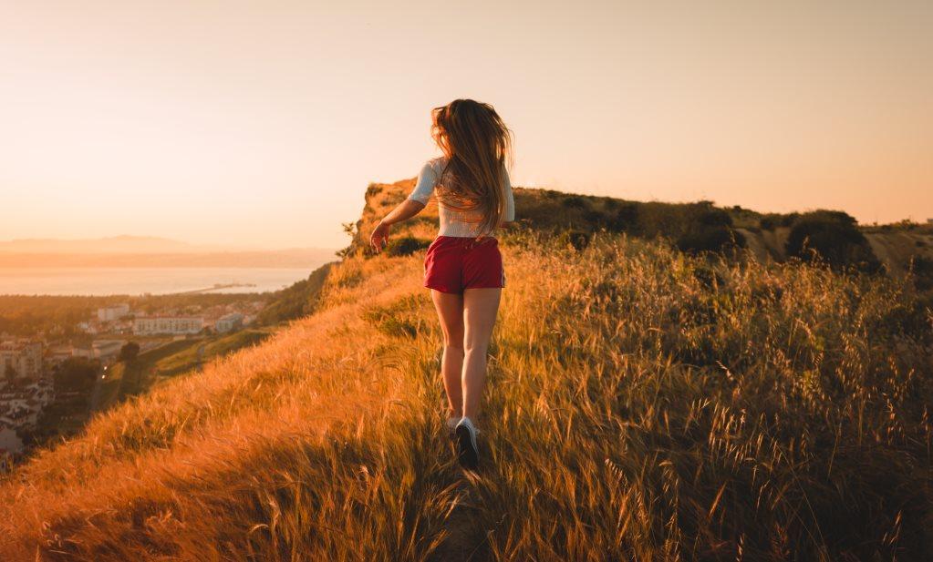 Meditatives Laufen in der Natur für mehr Entspannung