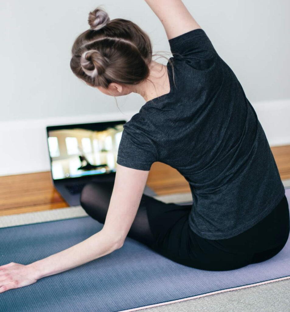 Yoga Online Seminar Stress Auszeit